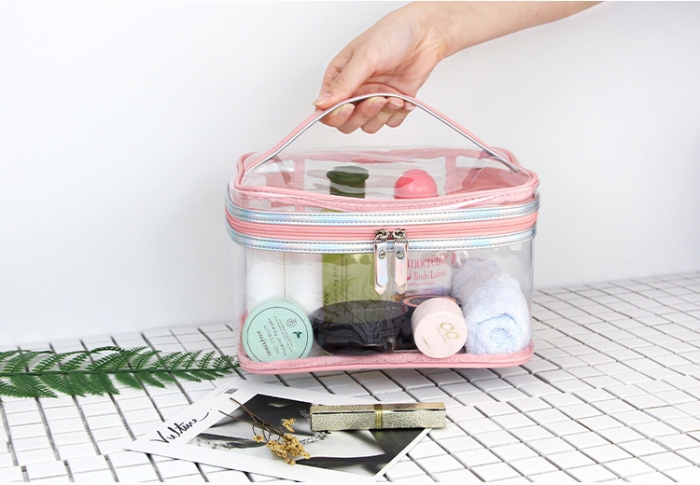 Which style makeup bag fit for summer?